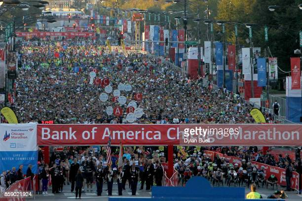 Runners prepare for the start of the Bank of America Chicago Marathon on October 8 2017 in Chicago Illinois