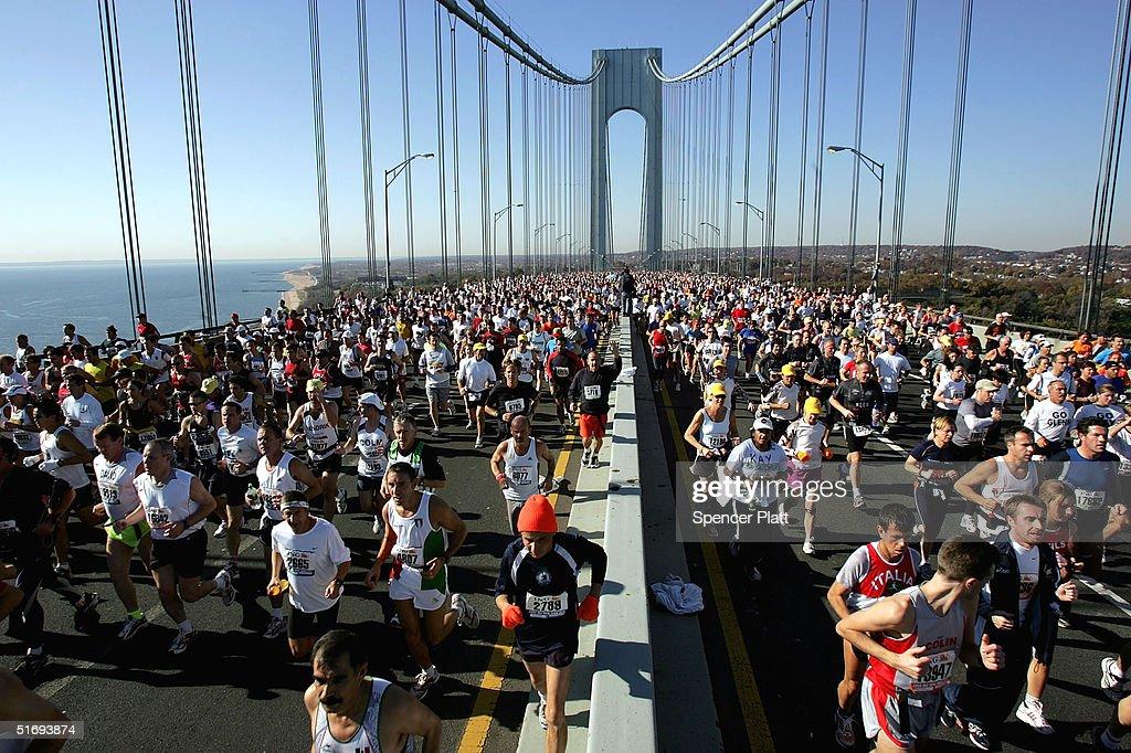 Thousands Run In New York Marathon : News Photo