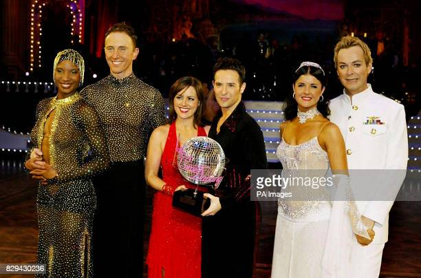 runnersup Denise Lewis and Ian Waite winners Jill Halfpenny and Darren Bennet and third placed Erin Boag and Julian Clary during the final of BBC...