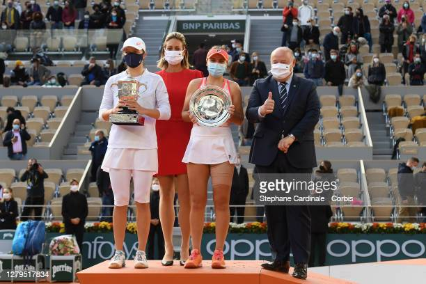Runner-Up Sofia Kenin of The United States of America, Mary Pierce, Winner Iga Swiatek of Poland and President French Tennis Federation, Bernard...