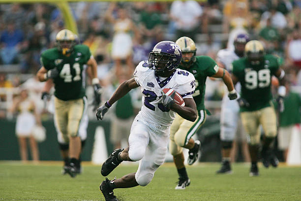 running-back-aaron-brown-of-the-tcu-horn