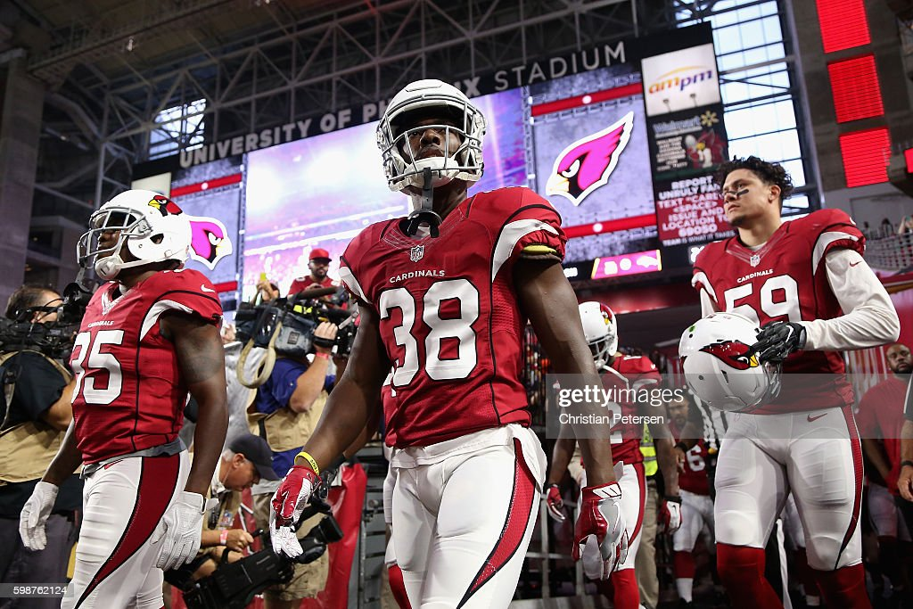 Running back Andre Ellington #38 of the Arizona Cardinals prepares to take the field for the preseaon NFL game against the Denver Broncos at the University of Phoenix Stadium on September 1, 2016 in Glendale, Arizona. The Cardinals defeated the Broncos 38-17.