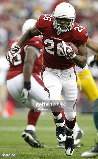 Running back Beanie Wells of the Arizona Cardinals runs with the ball against the Green Bay Packers during the first half of the 2010 NFC wild-card...
