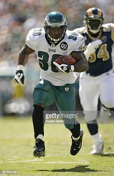 Running back Brian Westbrook of the Philadelphia Eagles carries the ball during a game against the St Louis Rams on September 7 2008 at Lincoln...