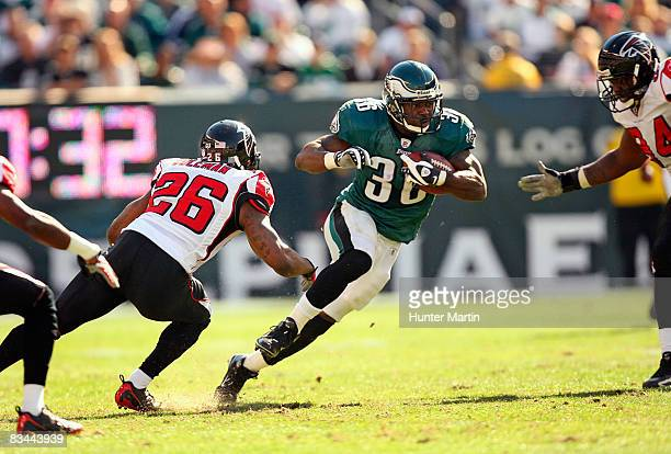 Running back Brian Westbrook of the Philadelphia Eagles carries the ball during a game against the Atlanta Falcons on October 26, 2008 at Lincoln...
