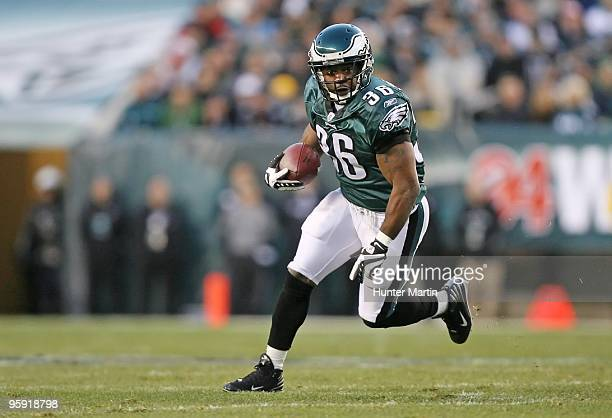 Running back Brian Westbrook of the Philadelphia Eagles carries the ball during a game against the Denver Broncos on December 27 2009 at Lincoln...