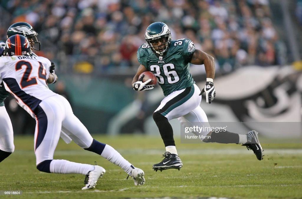Denver Broncos v Philadelphia Eagles : News Photo