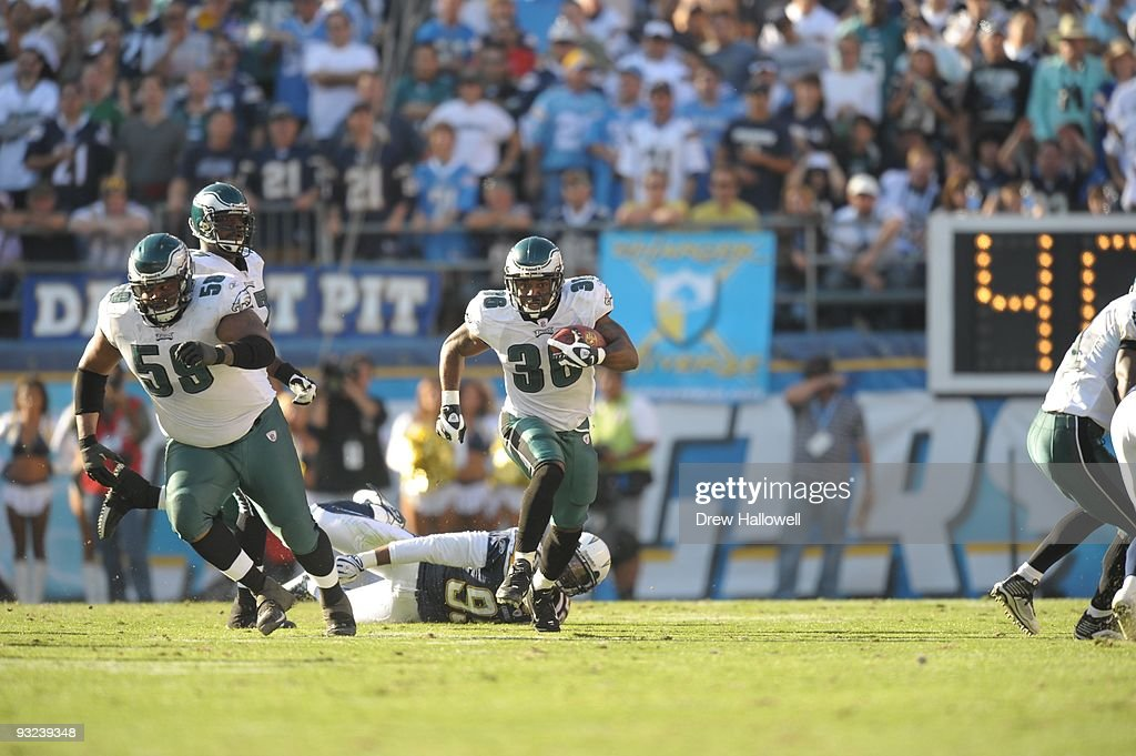 Philadelphia Eagles v San Diego Chargers : News Photo