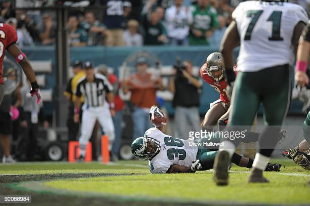 Running back Brian Westbrook of the Philadelphia Eagles scores a touchdown during the game against the Tampa Bay Buccaneers on October 11 2009 at...