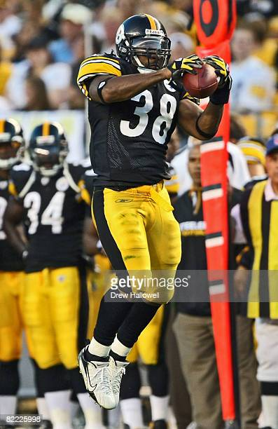 Running back Carey Davis of the Pittsburgh Steelers catches a pass during the game against the Philadelphia Eagles on August 8, 2008 at Heinz Field...