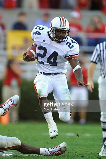 Running back Carnell Williams of the Auburn Tigers runs with the ball during the SEC football game against the Georgia Bulldogs on November 10, 2001...