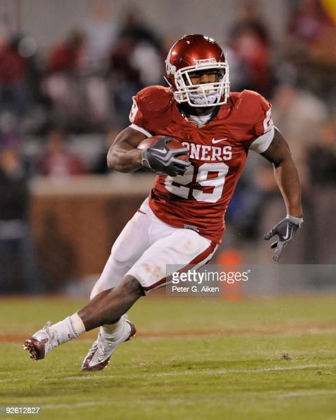 31 Running back Chris Brown of the Oklahoma Sooners turns up field in the first half against the Kansas State Wildcats on October 31 2009 at Gaylord...
