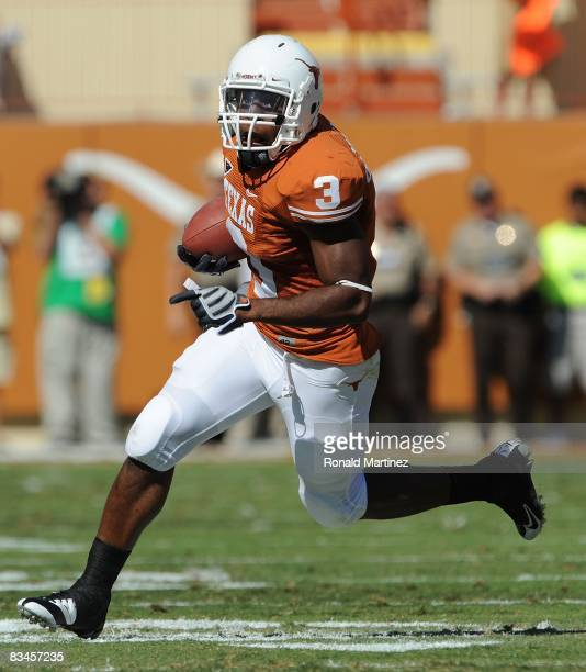 Running back Chris Ogbonnaya of the Texas Longhorns during play against the Oklahoma State Cowboys at Texas Memorial Stadium on October 25 2008 in...