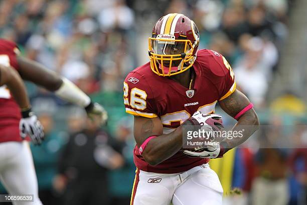 Running back Clinton Portis of the Washington Redskins carries the ball during a game against the Philadelphia Eagles on October 3 2010 at Lincoln...