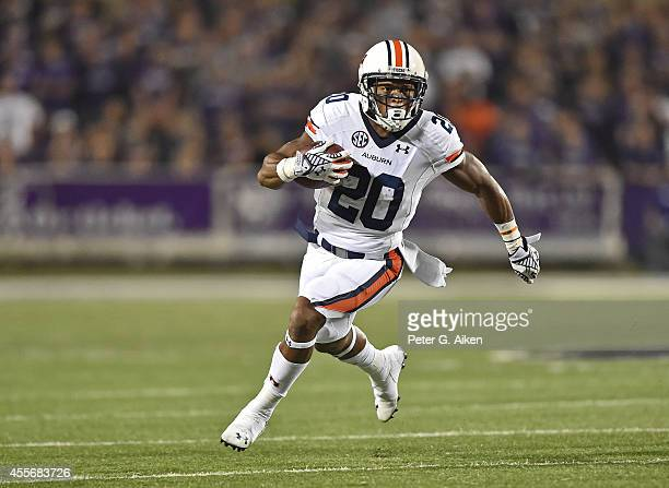 Running back Corey Grant of the Auburn Tigers rushes up field against the Kansas State Wildcats during the second half on September 18 2014 at Bill...