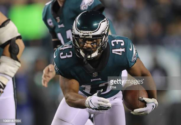 Running back Darren Sproles of the Philadelphia Eagles carries the ball in for a touchdown against the Washington Redskins during the second quarter...