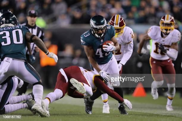 Running back Darren Sproles of the Philadelphia Eagles returns the punt against the Washington Redskins during the second quarter at Lincoln...