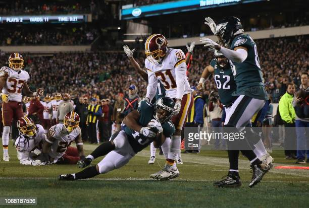 Running back Darren Sproles of the Philadelphia Eagles scores a touchdown against the Washington Redskins during the second quarter at Lincoln...