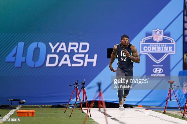 Running back Derrick Henry of Alabama runs the 40yard dash during the 2016 NFL Scouting Combine at Lucas Oil Stadium on February 26 2016 in...