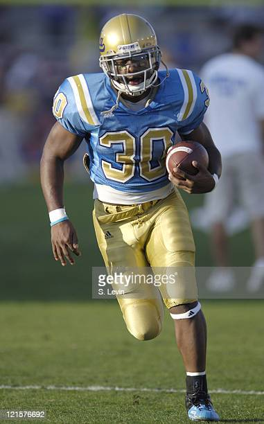UCLA running back Derrick Williams during the Arizona State vs UCLA game at the Rose Bowl in Pasadena CA on Nov 12 2005 UCLA won their last home game...