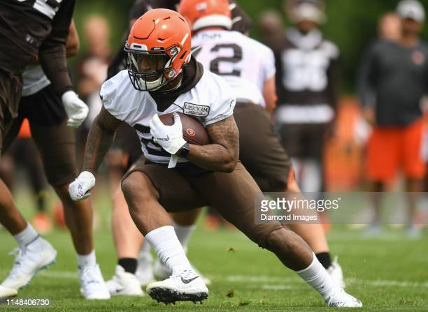 Running back Duke Johnson Jr #29 of the Cleveland Browns carries the ball during a mandatory mini camp practice on June 4 2019 at the Cleveland...
