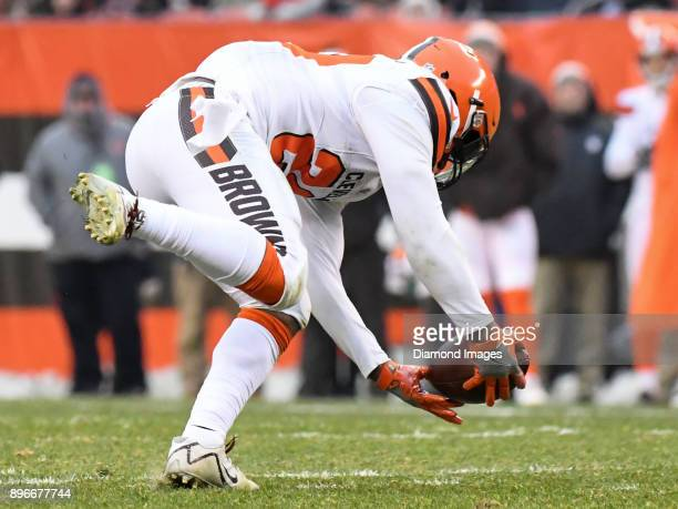 Running back Duke Johnson Jr #29 of the Cleveland Browns catches a pass in the third quarter of a game on December 17 2017 against the Baltimore...