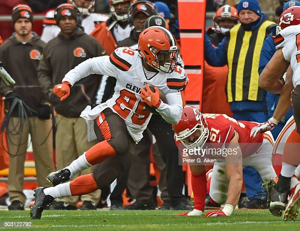 Running back Duke Johnson Jr #29 of the Cleveland Browns rushes up field after catching a pass against the Kansas City Chiefs during the first half...