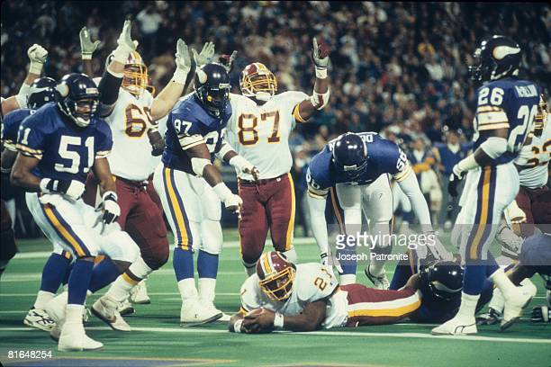 Running back Earnest Byner of the Washington Redskins scores on a 3yard run against the Minnesota Vikings in the 1992 NFC Wildcard Game at the...