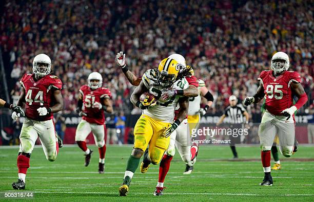 Running back Eddie Lacy of the Green Bay Packers runs the ball for 61yards in the second half against the Arizona Cardinals in the NFC Divisional...