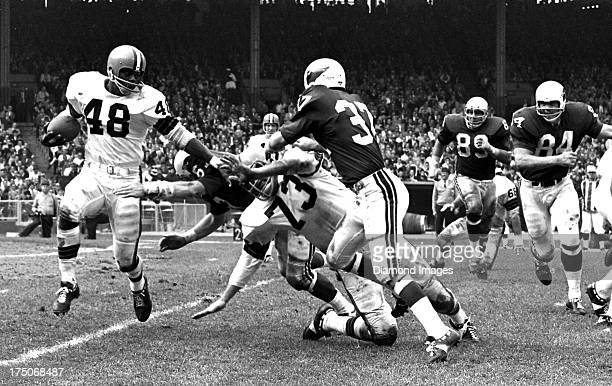 Running back Ernie Green of the Cleveland Browns carries the ball during a game against the St Louis Cardinals on September 20 1964 at Cleveland...