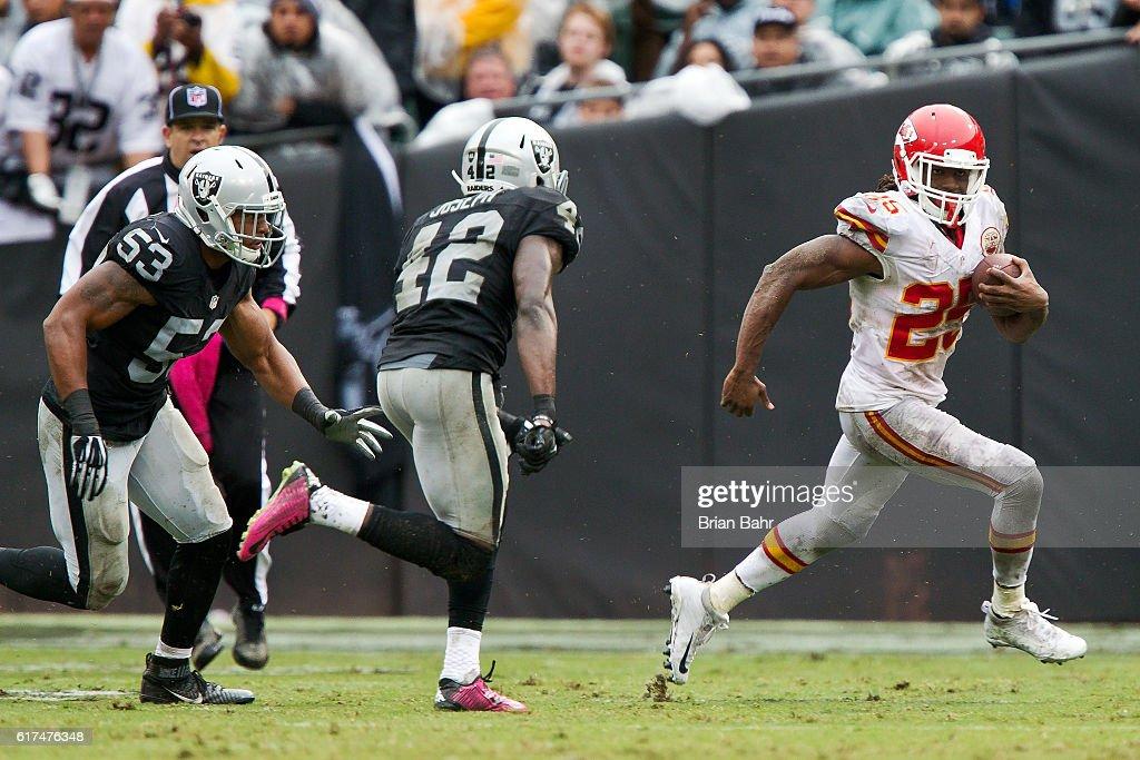 Kansas City Chiefs v Oakland Raiders : News Photo