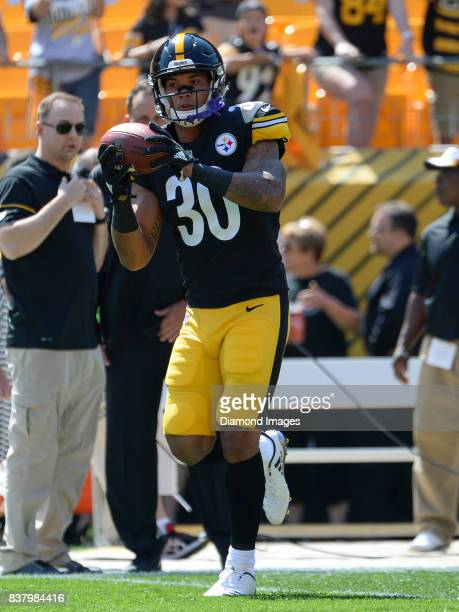 Running back James Conner of the Pittsburgh Steelers catches a pass prior to a preseason game on August 20 2017 against the Atlanta Falcons at Heinz...