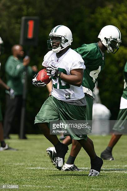 Running Back Jesse Chatman of the New York Jets catches a pass during Organized Team Activities at the team's facilities May 15, 2008 in Hempstead,...