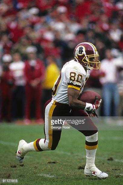 Running back Joe HowardJohnson of the Washington Redskins runs with the ball during the 1990 NFC Divisional Playoffs against the San Francisco 49ers...