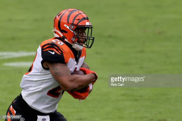 Running back Joe Mixon of the Cincinnati Bengals carries the ball against the Baltimore Ravens at M&T Bank Stadium on October 11, 2020 in Baltimore,...