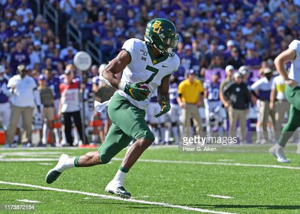 Running back John Lovett of the Baylor Bears runs down field against the Kansas State Wildcats during the first half at Bill Snyder Family Football...