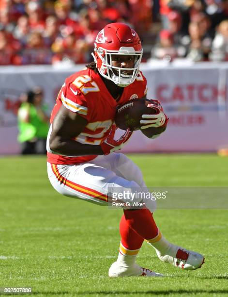 Running back Kareem Hunt of the Kansas City Chiefs runs up field against the Pittsburgh Steelers during the first half on October 15 2017 at...