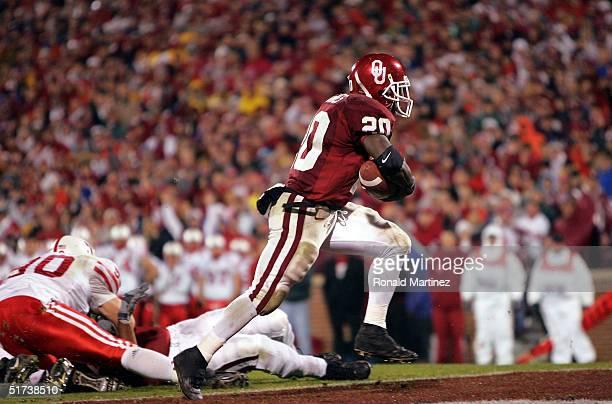 Running back Kejuan Jones of the Oklahoma Sooners rushes for a touchdown against the Nebraska Cornhuskers in the second quarter on November 13 2004...