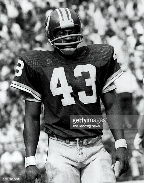 Running back Larry Brown of the Washington Redskins circa 1972 at RFK Stadium in Washington DC Brown played for the Redskins from 196976