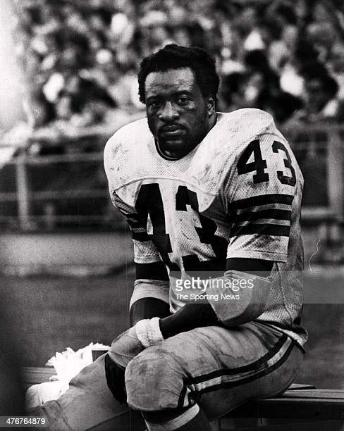 Running back Larry Brown of the Washington Redskins circa 1975 at RFK Stadium in Washington DC Brown played for the Redskins from 196976