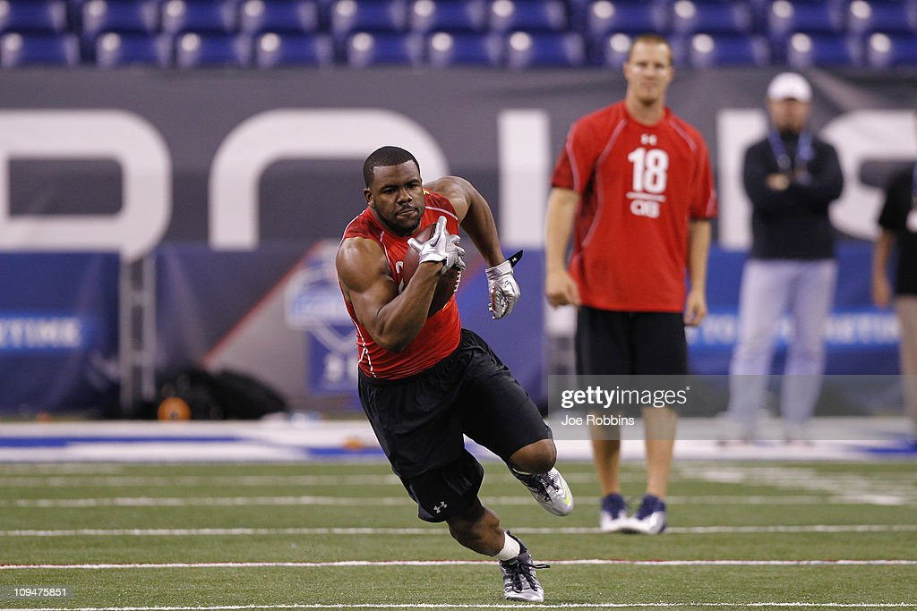 Running back Mark Ingram of Alabama runs with the ball during the 2011 NFL Scouting Combine at Lucas Oil Stadium on February 27, 2011 in Indianapolis, Indiana.