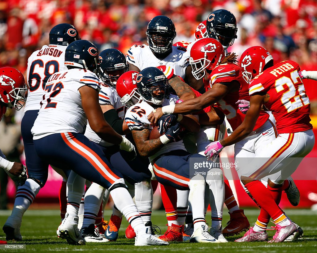 Running back Matt Forte #22 of the Chicago Bears carries the ball during the game against the Kansas City Chiefs at Arrowhead Stadium on October 11, 2015 in Kansas City, Missouri.