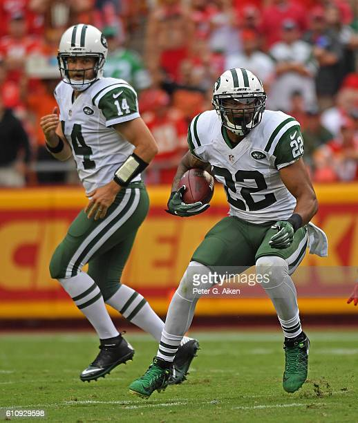 Running back Matt Forte of the New York Jets rushes up field against the Kansas City Chiefs during the first half on September 25 2016 at Arrowhead...