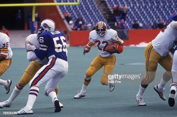 Running back Mike Thomas of the Washington Redskins runs upfield against the Buffalo Bills on December 4 1977 at Rich Stadium in Buffalo New York The...