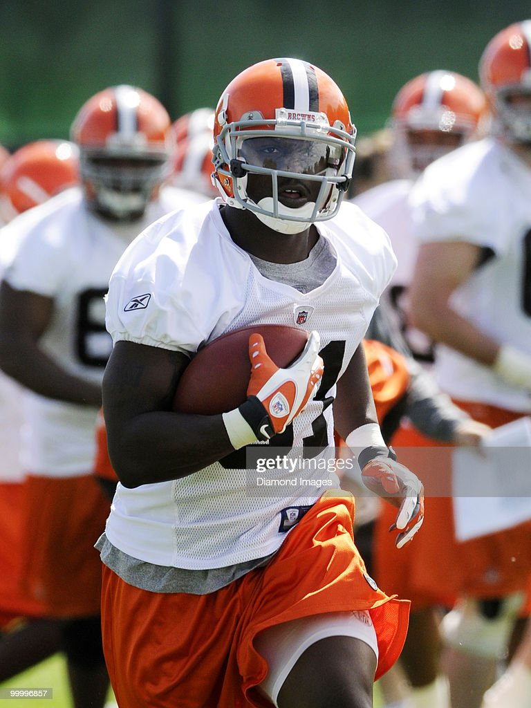 Running back Montario Hardesty #31 of the Cleveland Browns carries the ball during the team's organized team activity (OTA) on May 19, 2010 at the Cleveland Browns practice facility in Berea, Ohio.