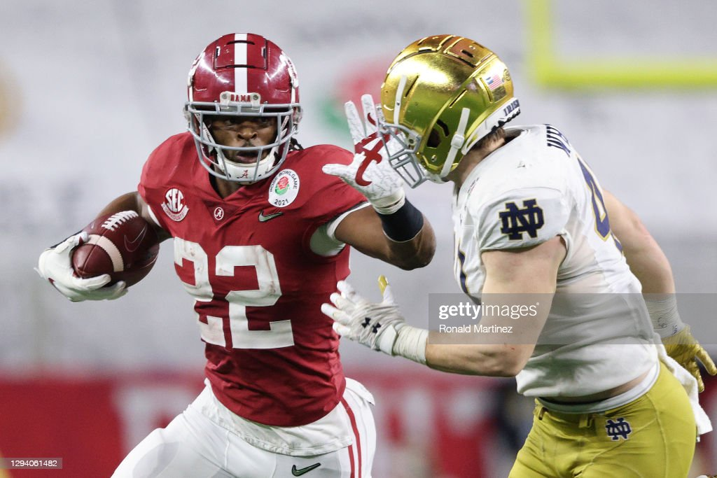 College Football Playoff Semifinal at the Rose Bowl Game presented by Capital One - Alabama v Notre Dame : News Photo