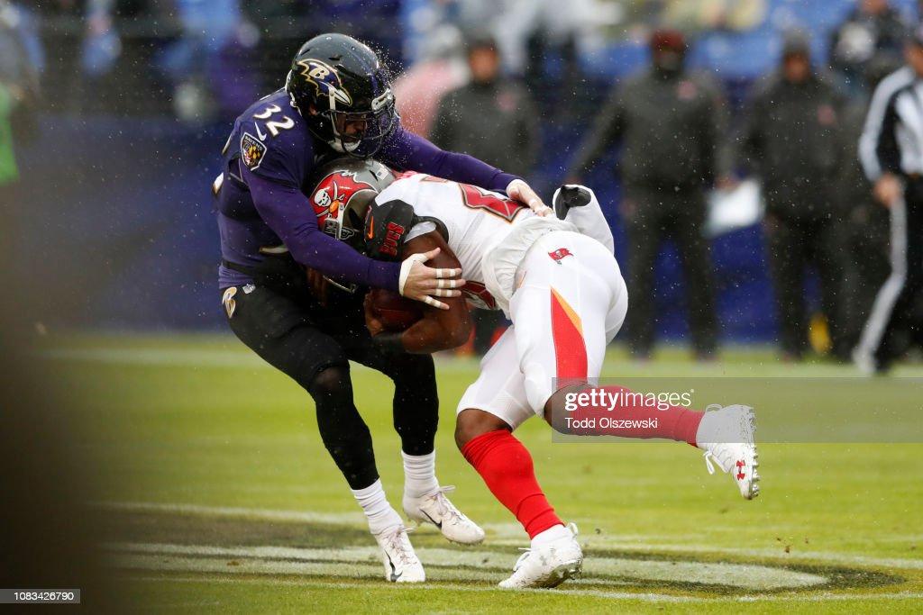 Tampa Bay Buccaneers v Baltimore Ravens : News Photo