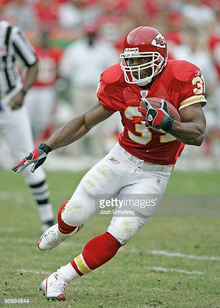 Running Back Priest Holmes of the Kansas City Chiefs makes a great run in a game against the Washington Redskins on October 16 2005 at Arrowhead...