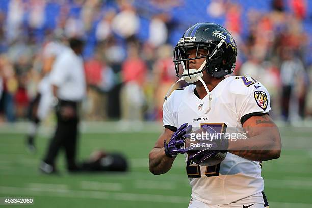 Running back Ray Rice of the Baltimore Ravens warms up before the start of an NFL pre-season game against the San Francisco 49ers at M&T Bank Stadium...