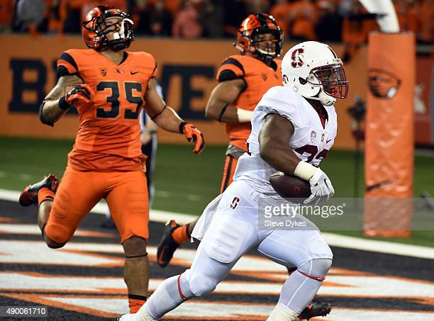 Running back Remound Wright of the Stanford Cardinal scores a touchdown in the second quarter of the game against the Oregon State Beavers at Reser...